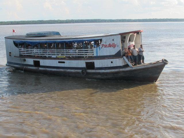 les fameux bateaux lents sur l'Amazone